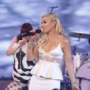 Gwen Stefani – Jimmy Kimmel Live in Hollywood - 454 x 303