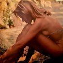 Ursula Andress - 454 x 387