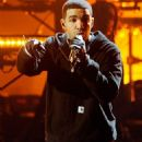 """Drake Delivers """"Headlines"""" at the 2011 AMAs"""