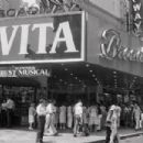 Evita - 454 x 303