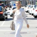 Kelly Rutherford was seen shopping in Beverly Hills. California on March 24, 2017 - 418 x 600
