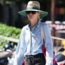 Rose Byrne at Bondi Beach 02/07/2019 - 454 x 681
