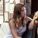 Jessica Biel as Erin in The Texas Chainsaw Massacre (2003) - 345 x 318