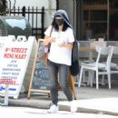 Lily Allen – With David Harbour out for lunch in New York