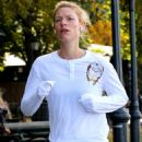 Claire Danes – Seen jogging in New York