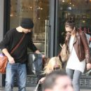 Jessica Alba - Shopping At Barney's New York In Beverly Hills, 2009-12-13