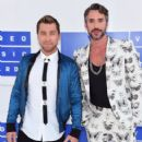 Lance Bass attends the 2016 MTV Video Music Awards at Madison Square Garden on August 28, 2016 in New York City - 406 x 600