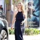 Alicia Silverstone – Steps out in Los Angeles