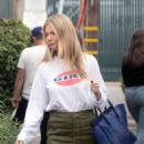Gwyneth Paltrow – Leaves a business meeting in LA - 454 x 682
