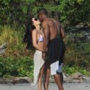 Kim Kardashian - On Vacation In Costa Rica - March 6, 2010 - 454 x 574