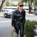 Khloe Kardashian – Goes out for lunch at Plata Taqueria and Cantina in Agoura Hills - 454 x 681
