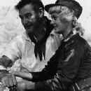 Beverly Aadland and Errol Flynn - 354 x 478