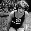 Clara Bow - 350 x 497