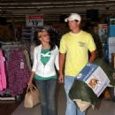 Jamie-Lynn Spears - Shopping At Wal Mart On Her 17 Birthday - Apr 4 2009