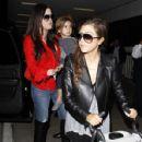 Khloé Kardashian: arrive on a flight at LAX Airport