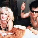 Gary Oldman as Sid Vicious and Chloe Webb as Nancy in Sid and Nancy (1986) - 306 x 230