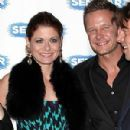 Debra Messing and Will Chase - 300 x 400