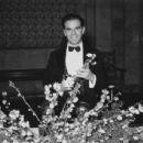 Frank Capra - 454 x 343