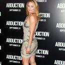 Elisabeth Röhm arrives at the premiere of Lionsgate Films'