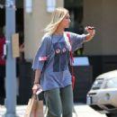 Hailey Baldwin – Goes to Erewhon Market in Beverly Hills