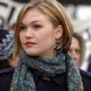 Julia Stiles as Nicolette in The Bourne Movies - 454 x 239