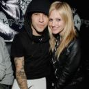 Ashlee Simpson-Wentz - Vive Le Karaoke With Pete Wentz At Angels And Kings Bar 2007-11-12