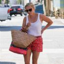 Reese Witherspoon – Heads to a spa in Brentwood - 454 x 681
