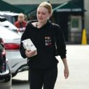 Dakota Fanning – Heads to Whole Foods in Los Angeles