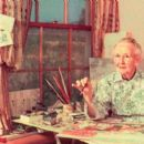 Grandma Moses - 454 x 400