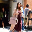 Jessica Alba – Leaves The View in New York - 454 x 590
