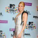 Shakira At The MTV Europe Music Awards 2009 - 347 x 594