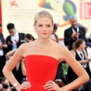 Gabriella Wilde – 'First Man' Premiere and Opening Ceremony at 2018 Venice International Film Festival in Venice - 454 x 682
