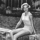 Lauren Bacall - 454 x 705