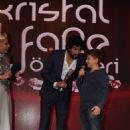 Engin Akyürek - Kristal Fare Awards 2015 - 454 x 681