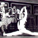 Broadway Dancers - 454 x 360