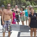 He's still got it! 90210's Luke Perry, 47, shows off sculpted physique on holiday in Bora Bora - 454 x 364
