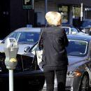 Gwen Stefani strolls through Beverly Hills with her son, Kingston Rossdale - 367 x 594