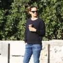 Jennifer Garner – In jeans seen surveying construction on a property in Brentwood