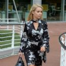 Katie Piper Arrives at her Hotel in Manchester - 454 x 804
