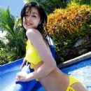 Kusumi Yellow bikini - 454 x 625