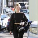 Elle Fanning in Spandex – Hits the gym in LA - 454 x 681
