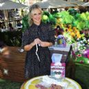 Sarah Michelle Gellar – Celebrates HatchiBabies at The Grove in LA