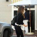 Kate Beckinsale in Tight Jeans – Out in LA - 454 x 682