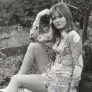 Jennie Linden - 350 x 472