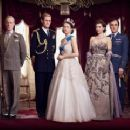 The Crown (2016) - 454 x 241