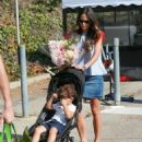 'Furious 7' actress Jordana Brewster went to the farmer's market with her family in Los Angeles, California on August 21, 2016 - 454 x 497