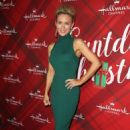 Nicky Whelan – 'Christmas at Holly Lodge' Screening in LA - 454 x 682