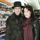 Legendary Spooky Shock Rocker Alice Cooper Shop At Newsagents In Soho With His Wife - 378 x 594