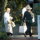 Sarah Paulson and Holland Taylor – Shopping candids on Melrose Place in West Hollywood - 454 x 303