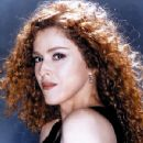 Bernadette Peters - 350 x 525